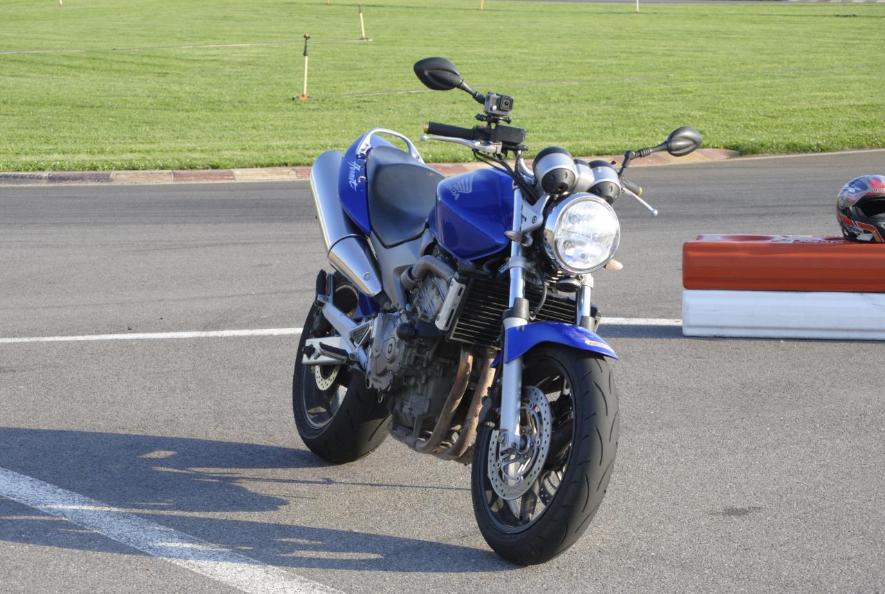 vand honda hornet 600 pc36 2003 2400e neg motociclete. Black Bedroom Furniture Sets. Home Design Ideas