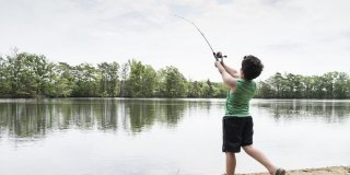RS159338_6_2_18_Saugus_kids_fishing_1-1300x650.jpg