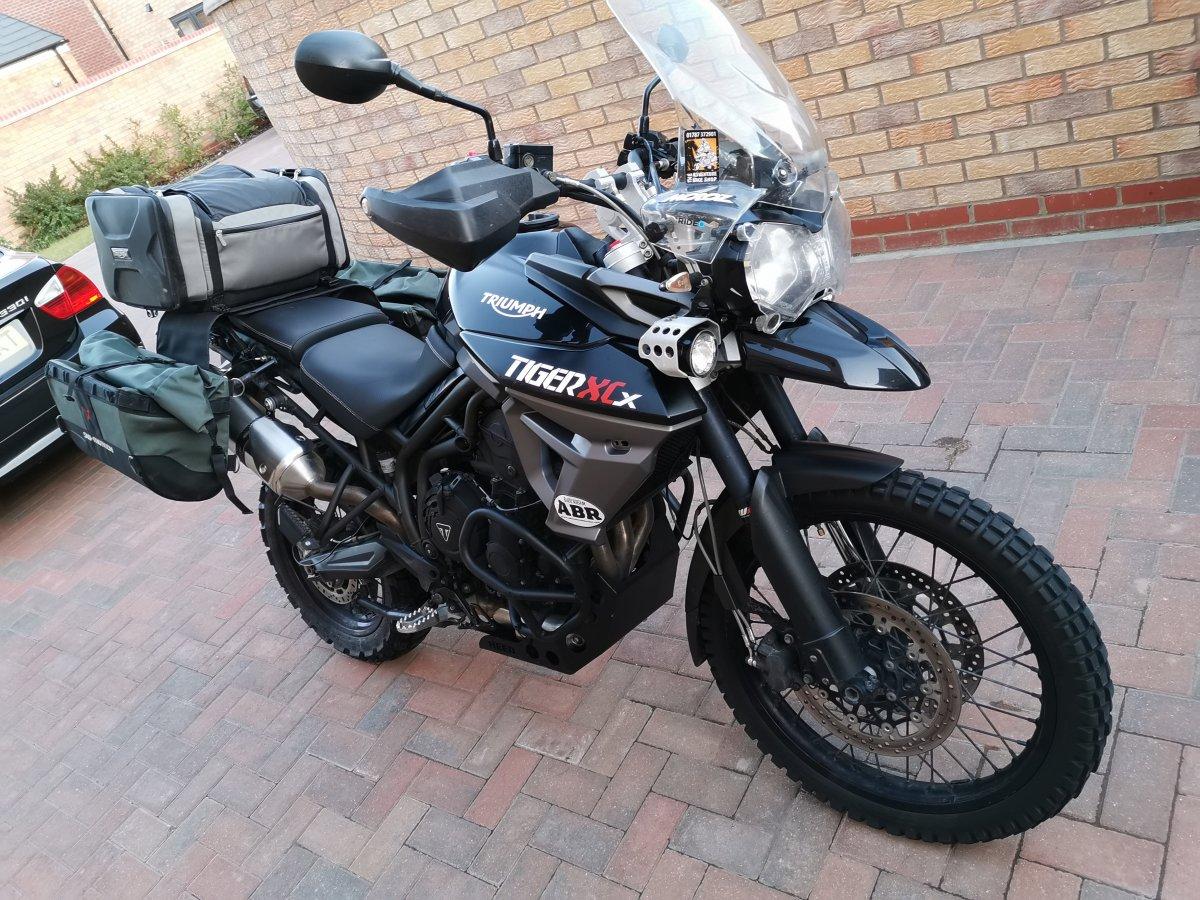 2015 Triumph Tiger 800 XCX - Motociclete intre 750 si 999