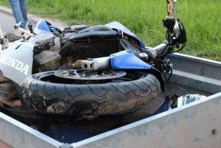 accident-motociclist-5-640x427.thumb.jpg.11e1adbac9f16490cbbe14ba568bb776.jpg